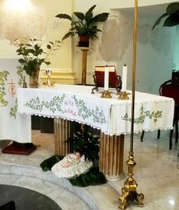 """Fig. 12. Pompei, località S. Abbondio, cappella Madonna delle Grazie detta """"La Rotonda"""", altare maggiore."""